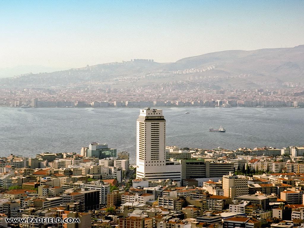 Izmir Turkey  city photos gallery : Modern Izmir, Turkey